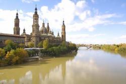 Pilar Basilica and the river Ebro